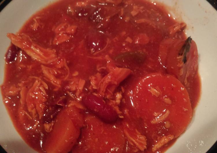 amys shredded chilli chicken crockpot recipe main photo