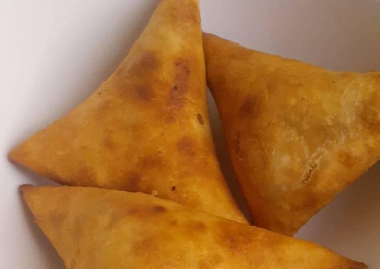 bomb💣 chicken samosas recipe main photo
