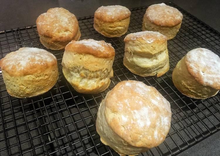classic english scones recipe main photo