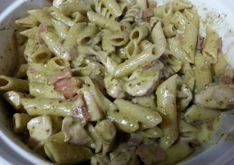 creamy pesto pasta with camembert and chicken recipe main photo