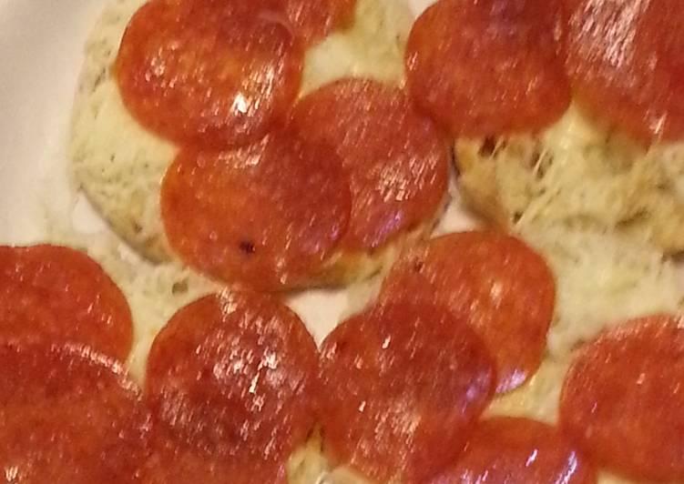 english muffin pizzas recipe main photo 1