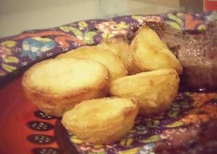 golden roast potatoes recipe main photo