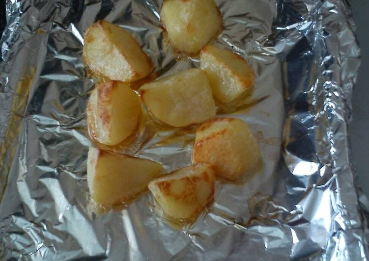 roast potatoes recipe main photo 1