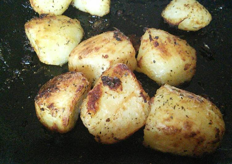 roast potatoes recipe main photo 3