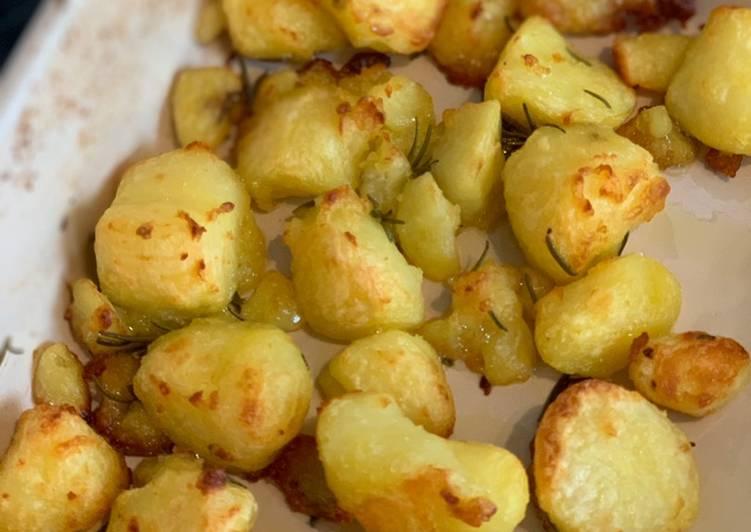 roast potatoes recipe main photo 5