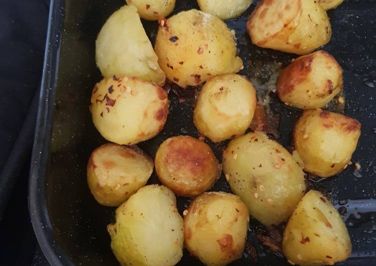 roast potatoes with chilli flakes recipe main photo