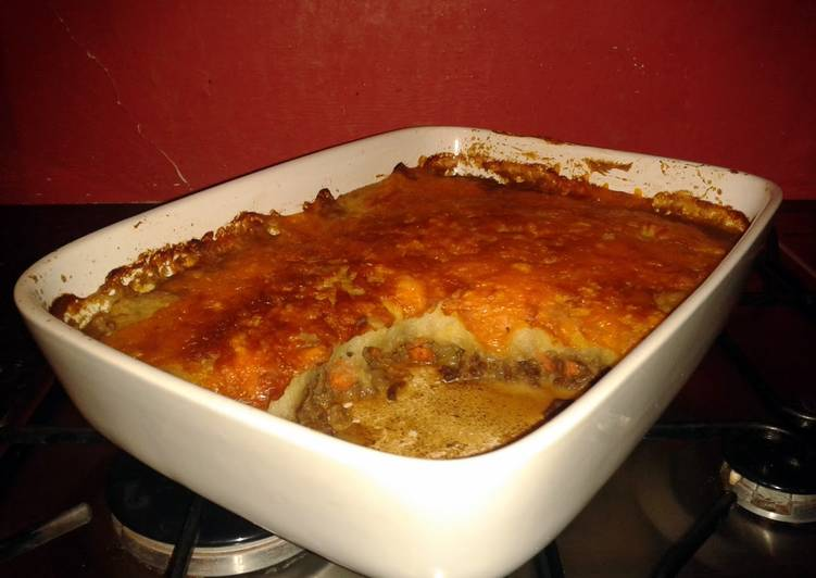 shepherds pie with garlic mash recipe main photo 2