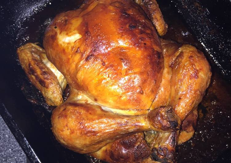 simple whole roast chicken recipe main photo 1