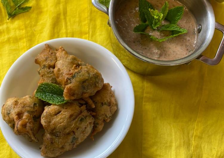 veg pakoras and yogurt mint sauce vegetables bhajis mycookbook recipe main photo