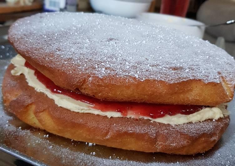 victoria sponge cake recipe main photo 2
